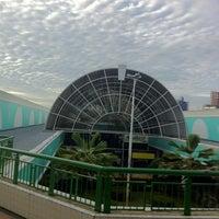 Foto tirada no(a) Shopping Riverside por Mario M. em 5/19/2013