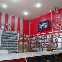 Photo taken at BEYOGLU GSM by Yunus Emre O. on 3/29/2014