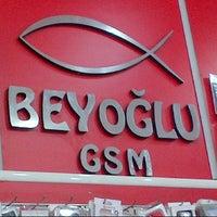 Photo taken at BEYOGLU GSM by Yunus Emre O. on 3/26/2014