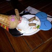 10/29/2012 tarihinde Melis Y.ziyaretçi tarafından Gelato Ice & Caffé'de çekilen fotoğraf