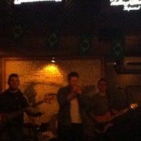 Photo taken at Hum Ponto Oito Lounge Music by Vivian C. on 6/21/2014