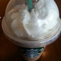 Photo taken at Starbucks by Yeryn D. on 2/14/2013