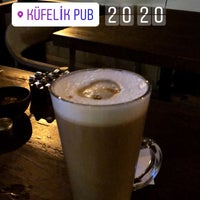 3/31/2018 tarihinde Batuhan K.ziyaretçi tarafından Küfelik Pub & Bistro'de çekilen fotoğraf