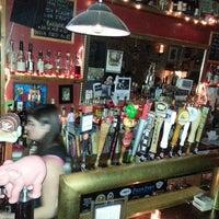Das Foto wurde bei Fourth Avenue Pub von Jodi R. am 3/10/2013 aufgenommen