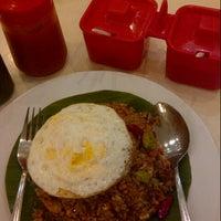 Photo taken at Qua-Li Noodle & Rice by Jolanda L. on 6/4/2014
