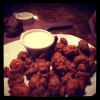 Photo taken at Outback Steakhouse by Melissa M. on 3/28/2013