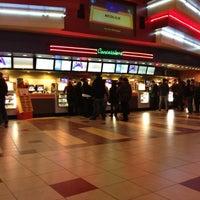 Снимок сделан в Regal Cinemas New Roc 18 IMAX & RPX пользователем Bobby C. 11/4/2012