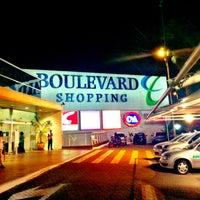 Foto tirada no(a) Boulevard Shopping por Daniel Costa d. em 2/7/2013