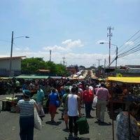 Foto tomada en Feria Del Agricultor Heredia por Mario M. el 4/6/2013