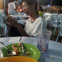 Photo taken at 333 Food Court by Peixian G. on 9/24/2012