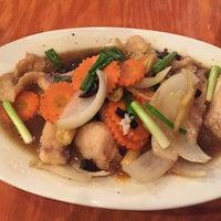 Photo taken at Thai Arroy Restaurant by Lollipopchik on 4/24/2017