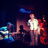 Foto tomada en Clan Cabaret por Marcos A. el 11/25/2012