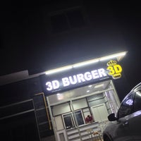 Photo taken at 3D burger by Firenze 🇮🇹 on 9/11/2014