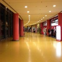 Foto scattata a Centro Commerciale Vulcano Buono da Mariano S. il 1/28/2013