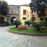 Photo taken at ayuntamiento de Güímar by Jovii C. on 11/28/2012