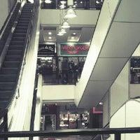 Foto tirada no(a) Shopping 5ª Avenida por Pedro F. em 1/26/2013