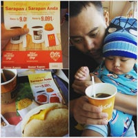 Photo taken at McDonald's / McCafé by Ardhelas on 3/7/2016