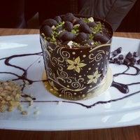 2/17/2013 tarihinde ☆Duyqu Y.ziyaretçi tarafından Yavuz Pastanesi'de çekilen fotoğraf