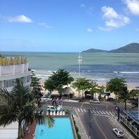Foto tirada no(a) Hotel Marambaia por Carla M. em 1/21/2013
