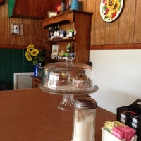 Photo taken at Country Inn Restaurant by Omar G. on 11/17/2012