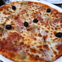 Photo taken at Bocelli Pizzeria Italia by Jimena on 11/18/2012