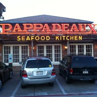Photo taken at Pappadeaux Seafood Kitchen by Morrice on 9/22/2012