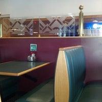 รูปภาพถ่ายที่ Marino's Pizza and Pasta House โดย Jeanne E. เมื่อ 10/5/2012