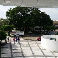 Photo taken at Edificio Administrativo y Financiero by aToMiiCo R. on 11/27/2014