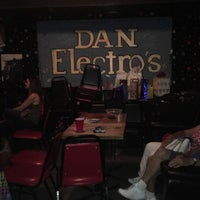 Photo taken at Dan Electro's Guitar Bar by Jane on 6/27/2016
