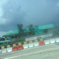 Photo taken at Plaza Tol Kuala Kangsar by Azlan S. on 5/15/2013