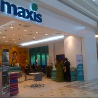 Photo taken at Maxis Centre by Anonimursi S. on 10/25/2013