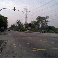 Photo taken at Traffic Light Seksyen 4 Tambahan by Anonimursi S. on 1/12/2013