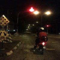 Photo taken at Traffic Light Seksyen 4 Tambahan by Anonimursi S. on 7/24/2013