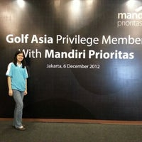 Photo taken at Pondok Indah Golf & Country Club by Vitaria Y. on 12/6/2012