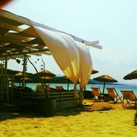 Photo taken at Kοχύλι Beach Bar by Natasa K. on 7/21/2013