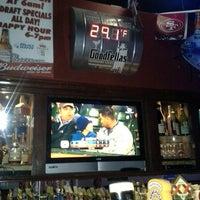 Foto tomada en Goodfellas Sports Bar por Tina J. el 9/27/2013