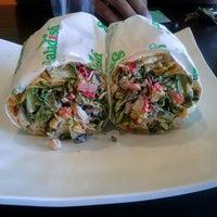Foto tirada no(a) Saladish por Tina J. em 8/27/2013