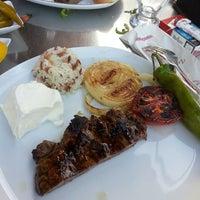 5/30/2013 tarihinde Meltem K.ziyaretçi tarafından Şişko Çöp Şiş Restaurant'de çekilen fotoğraf