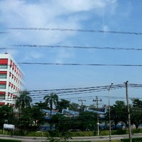 Photo taken at phranakorn honda automobile bangchan branch by Pae F. on 10/3/2012