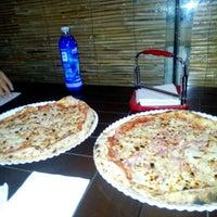 Photo taken at Pizzería Di Doru by Cynthia Rock J. on 5/14/2016
