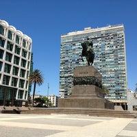 1/13/2013 tarihinde Debora C.ziyaretçi tarafından Plaza Matriz'de çekilen fotoğraf