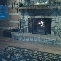 Photo taken at Gateway Lodge Country Inn Resort & Spa by Martin H. on 10/2/2013