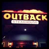 Foto tirada no(a) Outback Steakhouse por Rodolfo R. em 12/21/2012