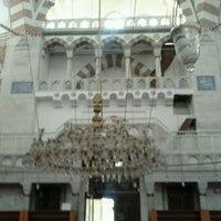 Photo taken at Nurbanu Valide-i Atik Sultan Camii by Temel A. on 9/26/2012