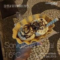 Foto tirada no(a) Sorveteria Royal por Emilio P. em 9/7/2013