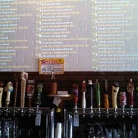 Photo taken at Dunedin House Of Beer by Joe D. on 7/13/2013