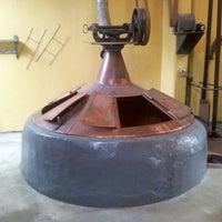 Foto scattata a Brasserie Cantillon Brouwerij da Rodrigo S. il 10/3/2012