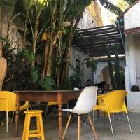Foto tirada no(a) Casa Samambaia por Gabriela V. em 4/3/2017