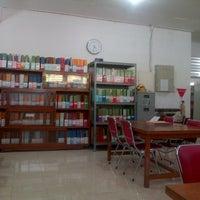Photo taken at Ruang KKW Perpustakaan Kampus Akamigas-Stem by AbdiRabbani S. on 9/20/2012