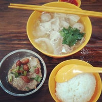 Photo taken at Cheng Mun Chee Kee Pig Organ Soup by Leslie H. on 4/18/2013